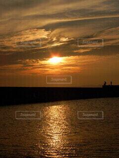 夕暮れの港の写真・画像素材[4289098]