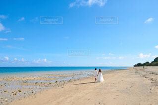 海の隣の砂浜の写真・画像素材[4330731]