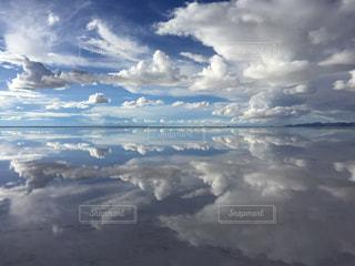 ウユニ塩湖の写真・画像素材[2068639]
