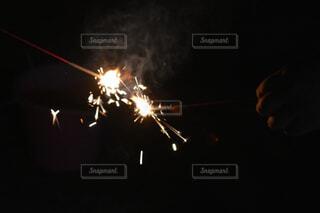 手持ち花火の写真・画像素材[4310448]