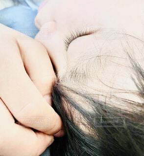昼寝をする子どもの写真・画像素材[4418222]