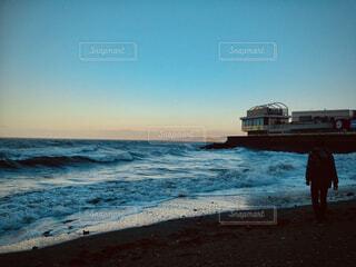 早朝の海の写真・画像素材[4501653]