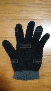 捨てる手袋の写真・画像素材[4322886]