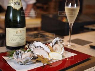 牡蠣とシャンパンの写真・画像素材[1832935]