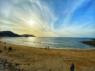砂浜と太陽の写真・画像素材[4361064]