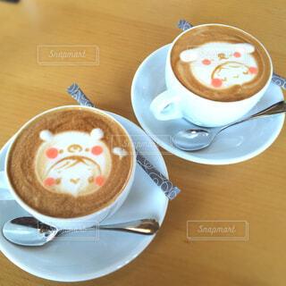 カフェでカプチーノをの写真・画像素材[4377166]