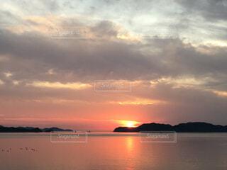 海辺の夕日の写真・画像素材[4363910]