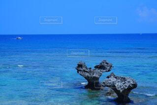 古宇利島のハートロック♡の写真・画像素材[4342418]
