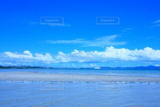 真夏の海の写真・画像素材[4345648]