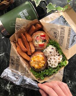 簡単惣菜パンランチボックスの写真・画像素材[4366974]