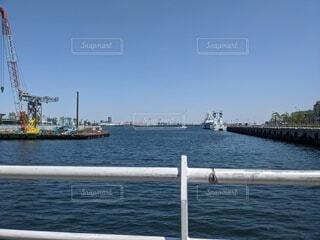 港から見る海の写真・画像素材[4366928]