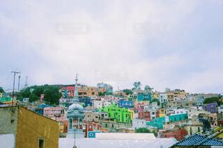 カラフルな街の写真・画像素材[4358781]