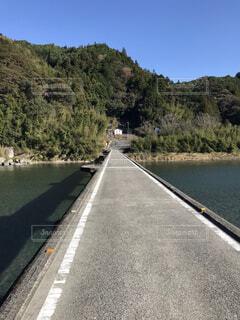 ある晴れた日の田舎の沈下橋の写真・画像素材[4359613]