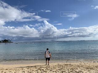 海沿いに立つの写真・画像素材[4361627]