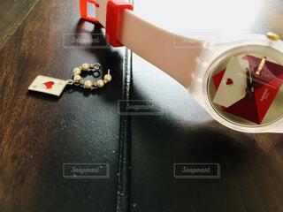 腕時計とイヤーカフ♡の写真・画像素材[4375748]