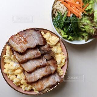 チャーシュー丼の写真・画像素材[4362800]