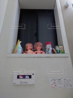 お風呂場の窓際の写真・画像素材[4374045]