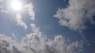 飛行機雲の写真・画像素材[4371137]
