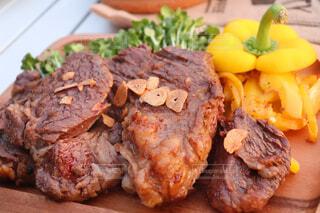 牛肉のステーキの写真・画像素材[4371031]