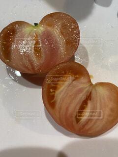 ハート型のトマト♡の写真・画像素材[4371637]