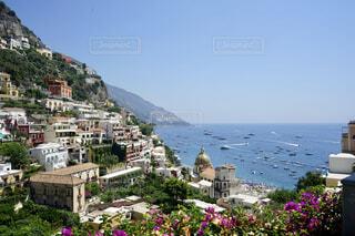 イタリアのポジターノから眺めるアマルフィ海岸の写真・画像素材[4375911]