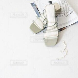 サンダルのおしゃれな置き画の写真・画像素材[4401744]