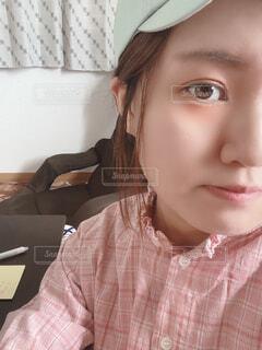 半顔の女の子の写真・画像素材[4591615]