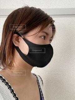 マスクの横顔の写真・画像素材[4684490]