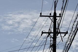 青空と電柱の写真・画像素材[4826330]