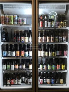 瓶ビール棚の写真・画像素材[1035484]