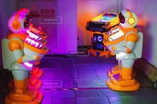 ロボット型のゲーム機の写真・画像素材[4418317]