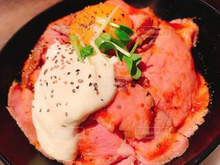 ローストビーフ丼の写真・画像素材[4412681]