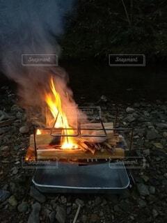 燃えている電車の写真・画像素材[4413039]