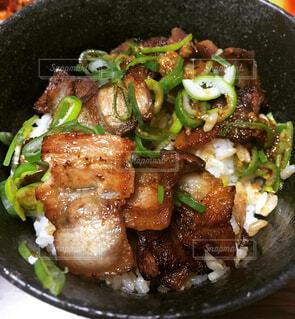 焼き豚丼の写真・画像素材[4414061]