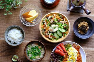 栄養バランスの良い食事の写真・画像素材[4463024]