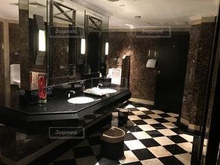 ホテルのトイレの写真・画像素材[2154051]