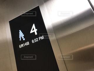 エレベーターの案内の写真・画像素材[2219434]