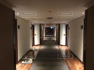 ホテルの廊下の写真・画像素材[3101978]