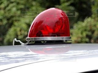 覆面パトカーの赤色回転灯の写真・画像素材[4468159]