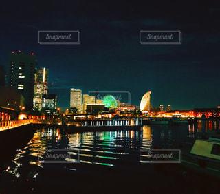 夜の街の景色の写真・画像素材[1182825]