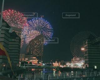 夜の街の眺めの写真・画像素材[2352163]