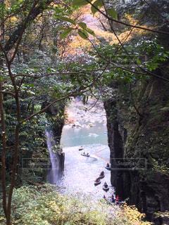 滝とボートの写真・画像素材[4511621]