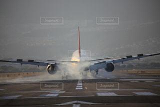 着陸の写真・画像素材[767096]