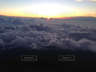 日の出の写真・画像素材[4493636]