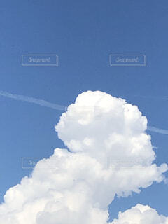青空の雲の写真・画像素材[4517040]