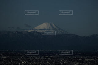 東京スカイツリーから見た富士山の写真・画像素材[4565641]