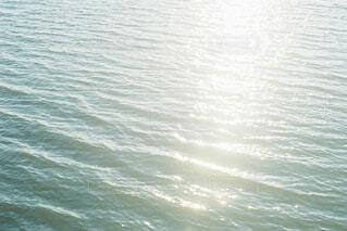 夕方の湖の写真・画像素材[4523724]