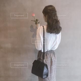 花と女の子の写真・画像素材[1495918]