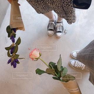 花と女の子の写真・画像素材[1495920]