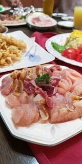 鹿児島の食卓 地鶏の刺身の写真・画像素材[4533718]